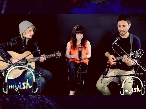 Carly Rae Jepsen - Call Me Maybe - Acoustic (RARE LIVE)